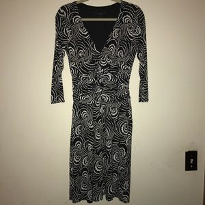 Laundry by Sheri segall size 8 mid length dress